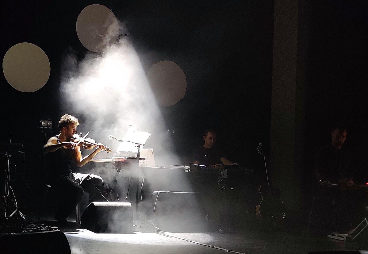 Ansatz Der Maschine</b> - Requiem voor gemiste optredens