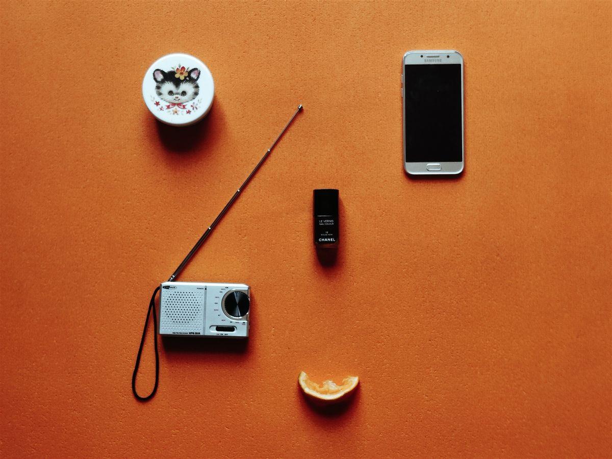 UNACHICA - Life In Orange